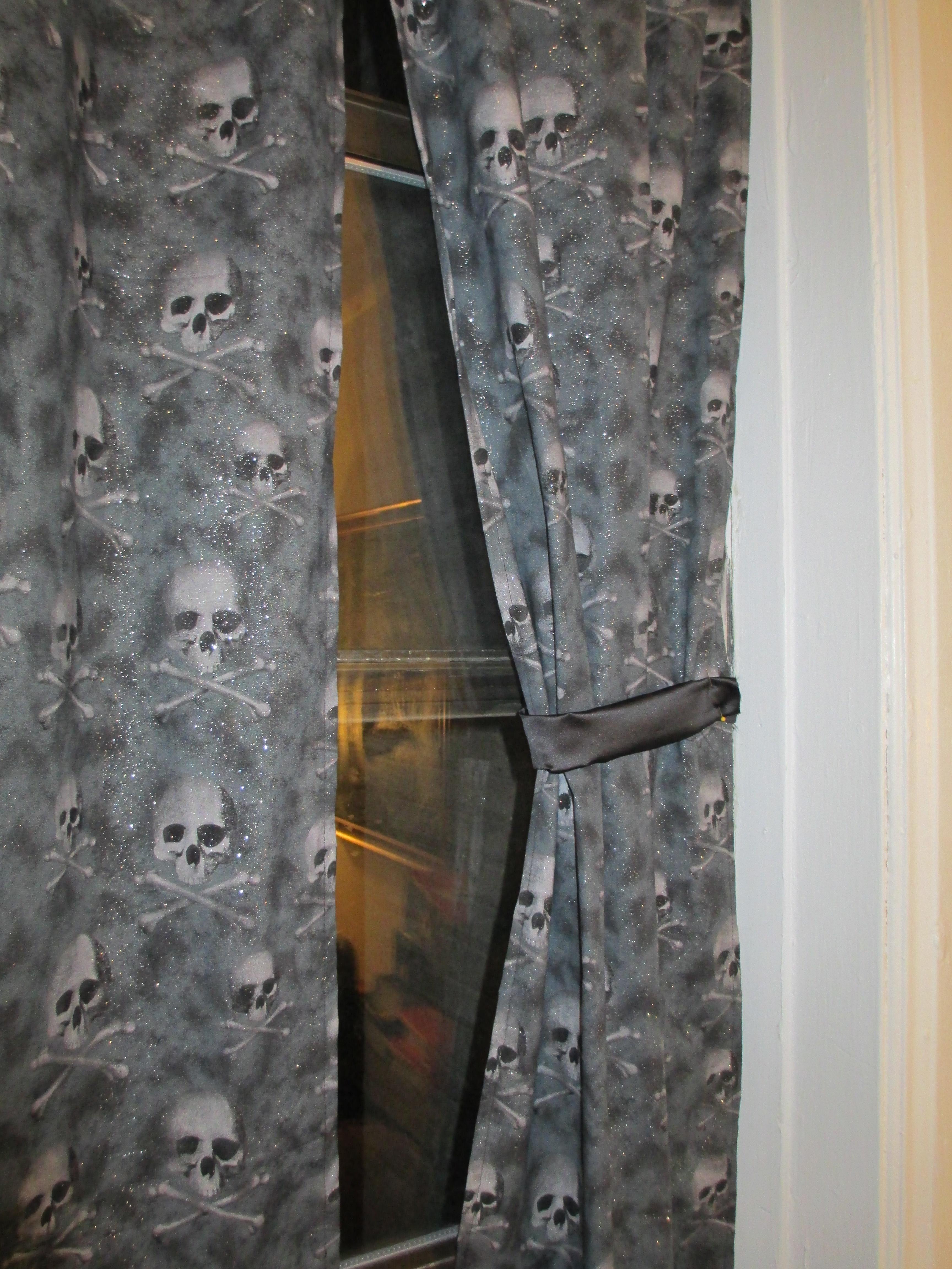 Skull Bedroom Curtains Skull Curtains Horrorfeminista
